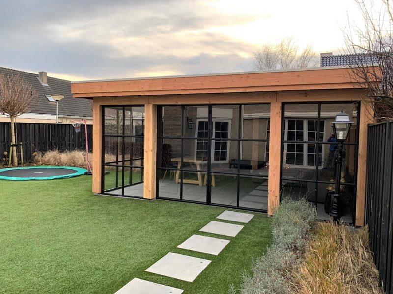 Aluminium schuifdeuren houten veranda staallook antraciet zwart (0)