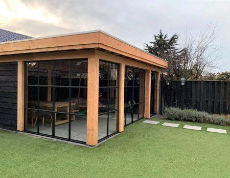 Aluminium schuifdeuren houten veranda staallook antraciet zwart (1)