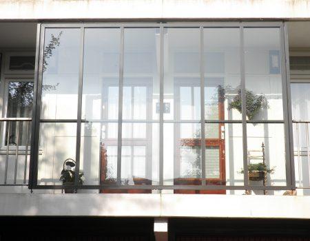 Batist aluminium galerij scherm renovatie VVE appartementen