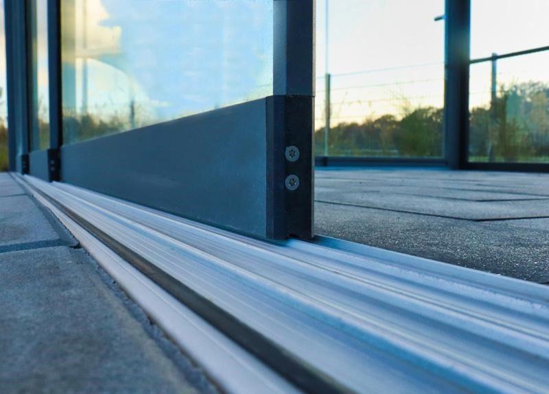 Glazen schuifwand onderprofiel 5 spoor
